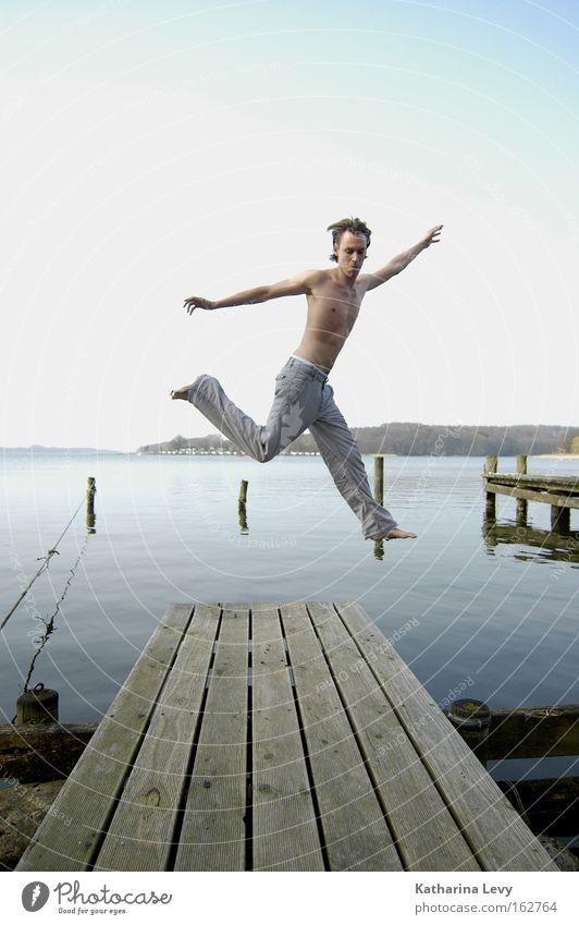 frühling! Mann Wasser Sommer Freude springen See Steg Mensch Blauer Himmel Funsport