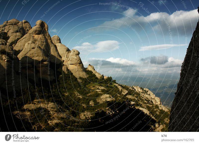 Montserrat Natur schön Himmel Wolken oben Berge u. Gebirge Freiheit Landschaft Luft groß hoch frisch Klettern rein Klarheit Gipfel