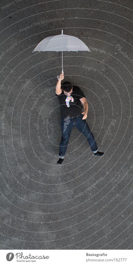 bodenlos Mann Freude Straße Freiheit fliegen springen Freizeit & Hobby Luft Angst Perspektive Aussicht Kreativität gefährlich Geschwindigkeit Flugzeug