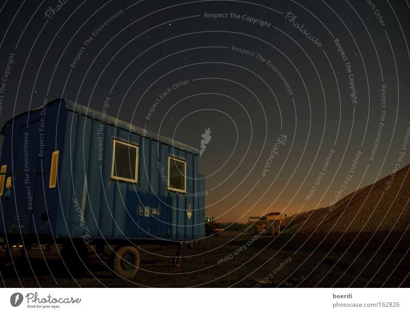 nAchtschicht Himmel blau Arbeit & Erwerbstätigkeit Fenster Sand Stern Industrie Romantik Baustelle Nachthimmel Kies Verlauf Arbeitsplatz Bagger Wagen