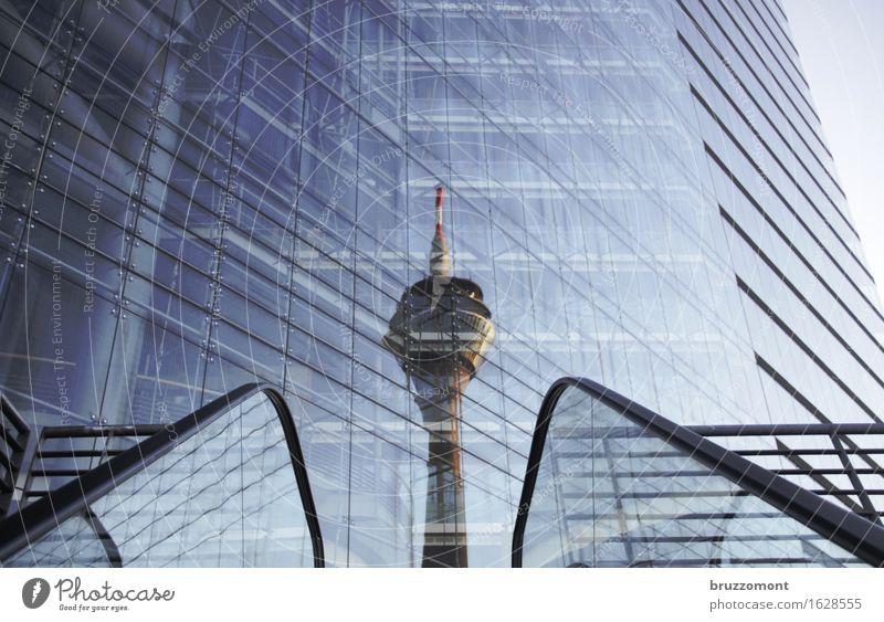 Do the escalator Düsseldorf Stadt Stadtzentrum Menschenleer Hochhaus Turm Gebäude Architektur Fassade Sehenswürdigkeit Rheinturm Stadttor fahren Coolness groß