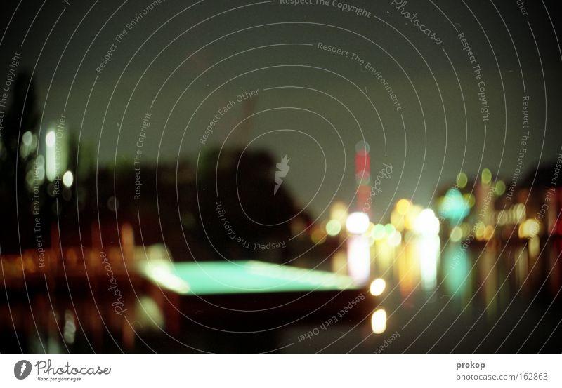 Am Badeschiff Himmel Sommer Freude Lampe dunkel Berlin Wärme Schwimmbad Romantik Nacht Idylle Denkmal Wahrzeichen Spree Sommernacht