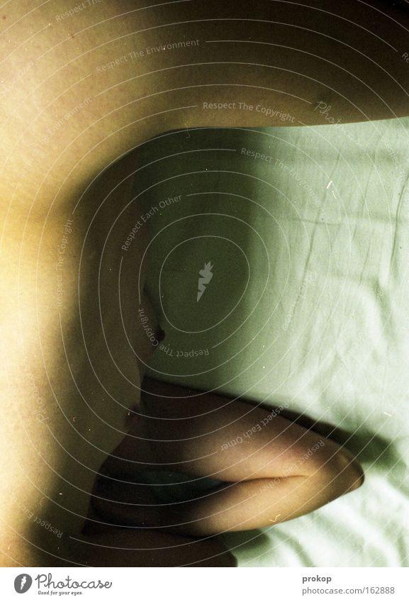 Lazy Skin Frau Mensch Erholung nackt Beine Körper Haut Arme schlafen Frauenbrust Akt Frieden liegen Brust Bettlaken ruhen