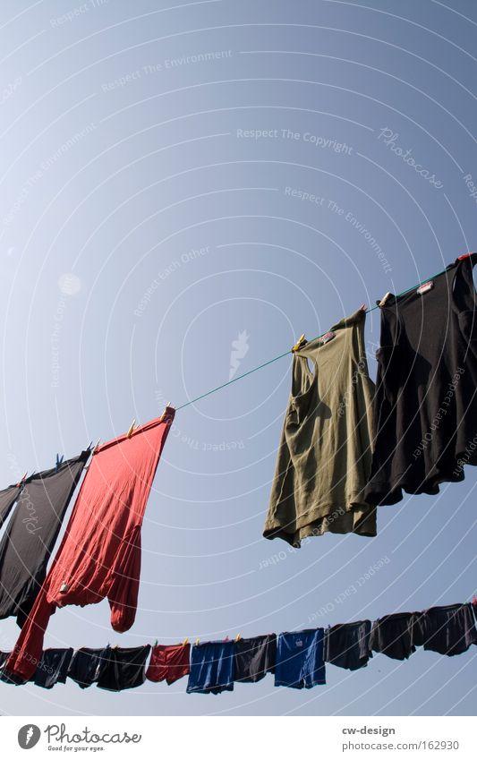 Nikkis & Schlüppas Kleid Bekleidung T-Shirt Shorts Männerunterhose Wäscheleine Himmel Waschtag Unterhose Unterwäsche Bad Sommer sommerfrisch nicki