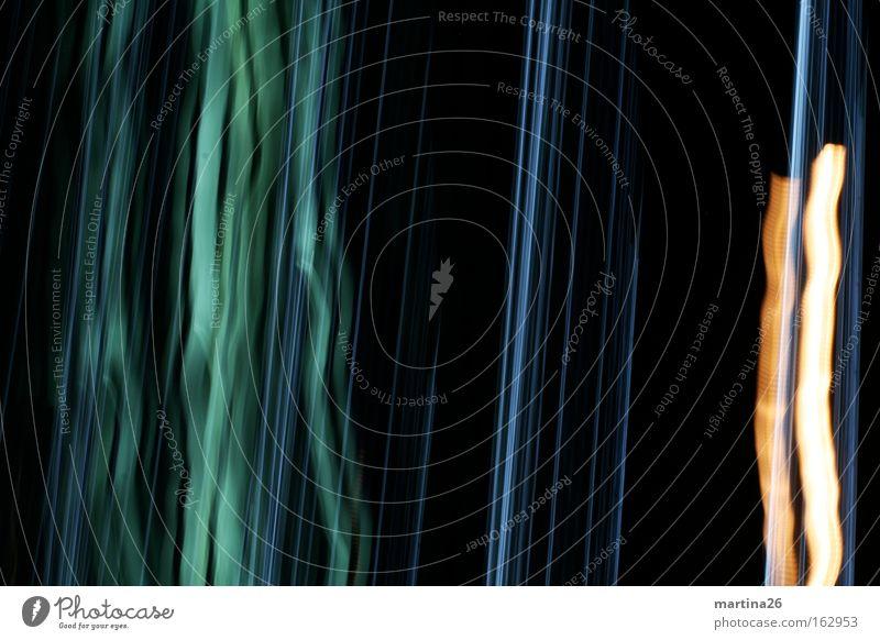 gestreift Farbfoto Experiment abstrakt Muster Nacht Licht Langzeitbelichtung Linie Streifen grün schwarz Hintergrundbild Dynamik Spannung Störung Neigung