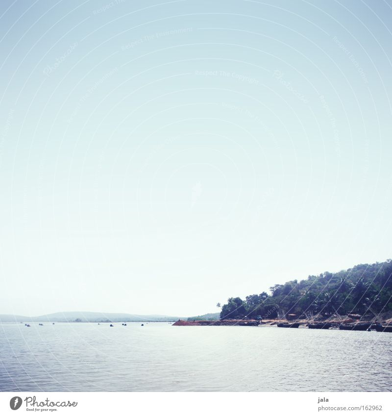 crossing the river Ferne Licht Wasser Fluss Wasserfahrzeug Palme Ferien & Urlaub & Reisen ruhig friedlich Güterverkehr & Logistik Personenverkehr blau Freiheit