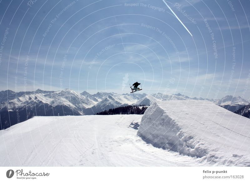 14 year old maxi Winter Schnee Skifahren Skier Blauer Himmel Saison Freestyle Funsport Vergnügungspark Extremsport Sport Skihose