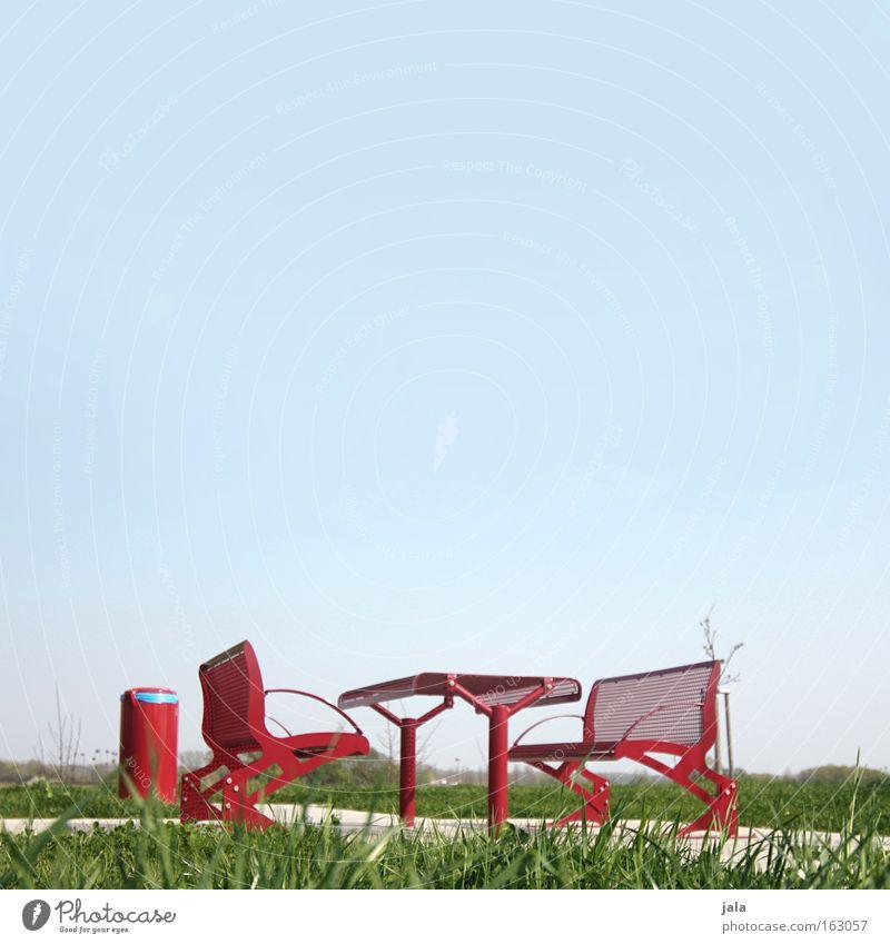 rote pause Himmel rot Ferien & Urlaub & Reisen Wiese Frühling Verkehr Tisch Pause Bank Autobahn Verkehrswege Autofahren Sitzgelegenheit Müllbehälter Vesper Rastplatz