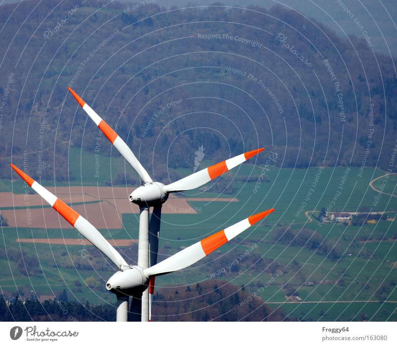 Zwilling Wolken Wald Berge u. Gebirge Wind Wetter Energie Industrie Technik & Technologie Windkraftanlage alternativ Rotor Windrichtung