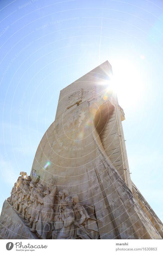 Entdecker Stadt Hauptstadt Stadtzentrum bevölkert Sehenswürdigkeit Denkmal Gefühle Stimmung Belém Lissabon Portugal entdecken Abenteurer Gegenlicht Himmel