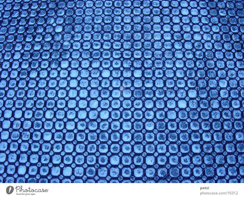Geeiste Matte Muster schwarz gefroren obskur Plastikmatte Rutsche Eis Schnee blau