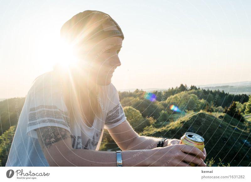 Sonnendurchflutet Getränk Dose Lifestyle Stil Freizeit & Hobby Freiheit Sommer Mensch feminin Junge Frau Jugendliche Erwachsene Leben Kopf 1 18-30 Jahre Natur