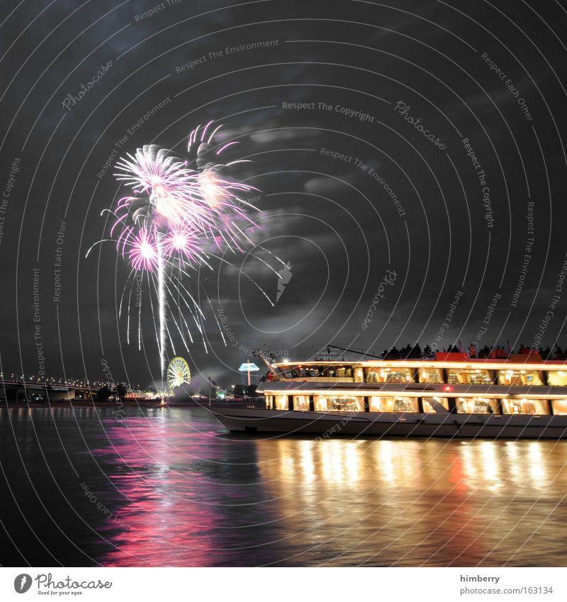 frohes neues Freude Ferien & Urlaub & Reisen Party Stil Stimmung Wasserfahrzeug Feste & Feiern elegant Ausflug Design Tanzveranstaltung groß Tourismus Fluss Show Silvester u. Neujahr