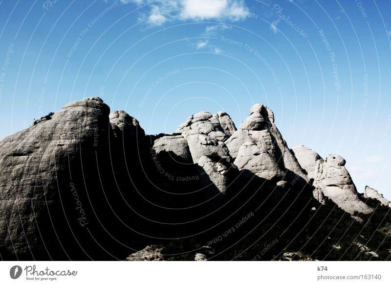 berg Himmel ruhig Berge u. Gebirge Stein Kraft groß Felsen Gipfel Urelemente Barcelona