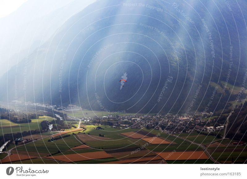 freiheit Sonne Berge u. Gebirge Freiheit Beleuchtung fliegen Italien Flugsportarten Gleitschirmfliegen Südtirol