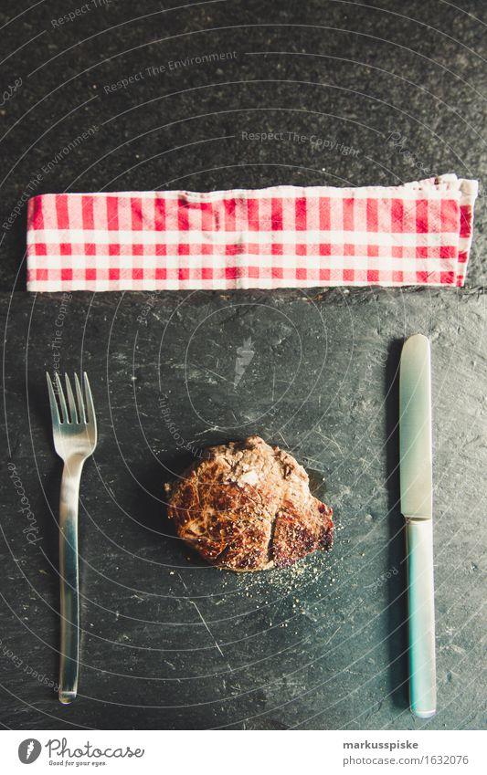 bio weiderind filet steak Lebensmittel Fleisch Schweinefilet Steak meersalz Pfeffer Ernährung Essen Mittagessen Abendessen Büffet Brunch Festessen