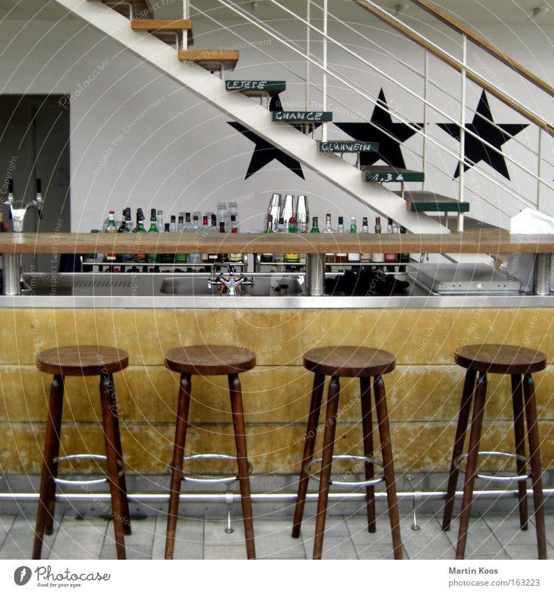 sternstunde Erholung Freude Holz Ordnung ästhetisch Tanzen Kreativität Tanzveranstaltung Stuhl trendy Berlin Bar Flasche Alkohol Gastronomie Cocktail