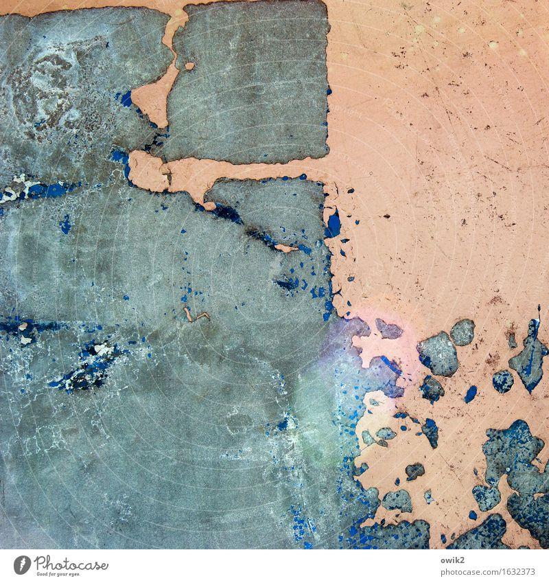 Abgetragen Kunst Kunstwerk Container Farbe Metall alt dehydrieren trashig trist wild blau orange türkis Verfall Vergänglichkeit Zerstörung Farbrest Blendenfleck