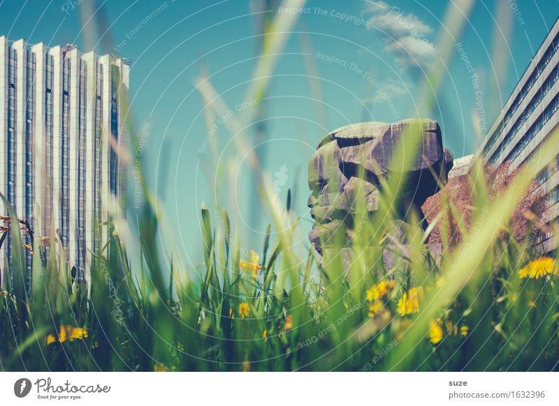 Großer Kopf Umwelt Natur Frühling Blume Blüte Wiese Stadt Stadtzentrum Platz Bauwerk Architektur Sehenswürdigkeit Wahrzeichen Denkmal grün Frühlingsgefühle
