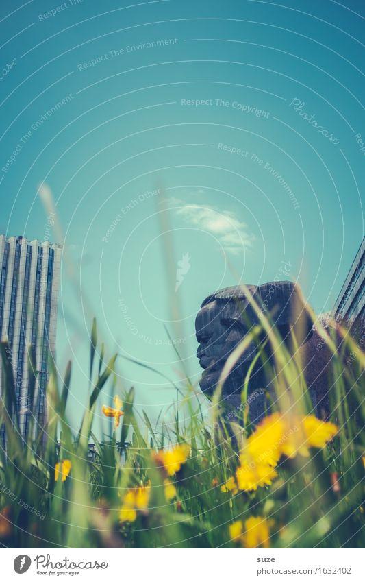 Antikapitalismus | Karl-Marx-Stadt Natur Blume Umwelt Architektur Blüte Frühling Wiese Kopf Stimmung Stadtleben Platz Vergänglichkeit Romantik Vergangenheit
