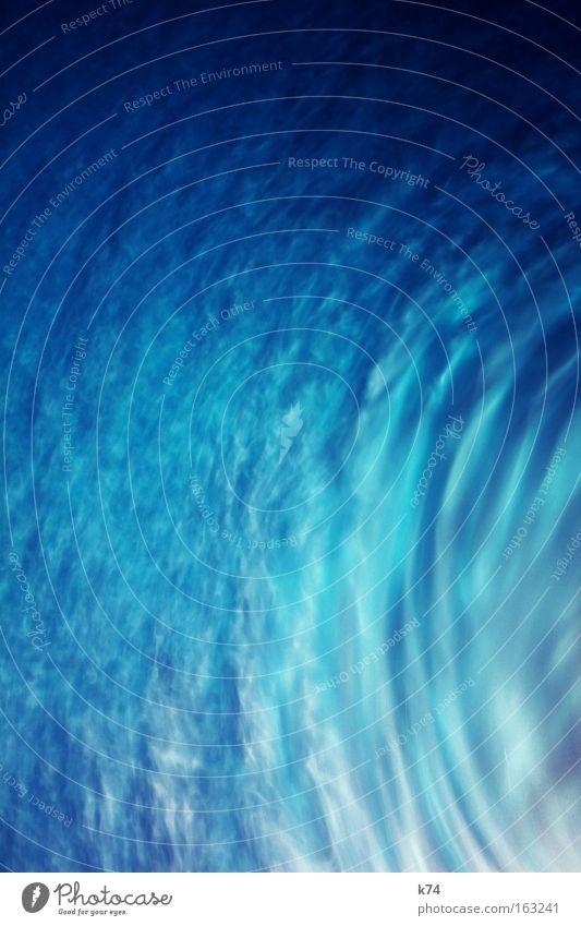 Taifun Wasser weiß blau Wind Wetter Klima Vergänglichkeit Sturm Gewitter Unwetter fließen Wasserwirbel Orkan Tornado Schneesturm Wirbelsturm