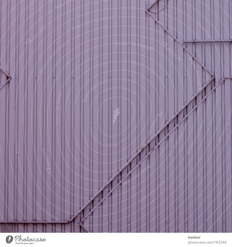 - Haus Arbeit & Erwerbstätigkeit Wand Mauer Gebäude rosa Industrie trist Technik & Technologie Industriefotografie Pfeil Tor Garage graphisch technisch steril