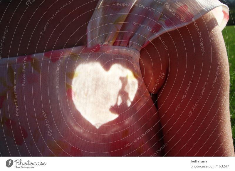 Prima-Ballerina-Herz Kind schön Arme Kleid Tierhaut Leidenschaft Schatten Lichteffekt herzförmig Blumenmuster