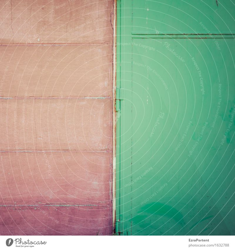 rote Wand Scharnier grünes Metalltor Bauwerk Gebäude Mauer Fassade Tür Linie Streifen Textfreiraum Tor Anschnitt geschlossen Farbfoto Gedeckte Farben