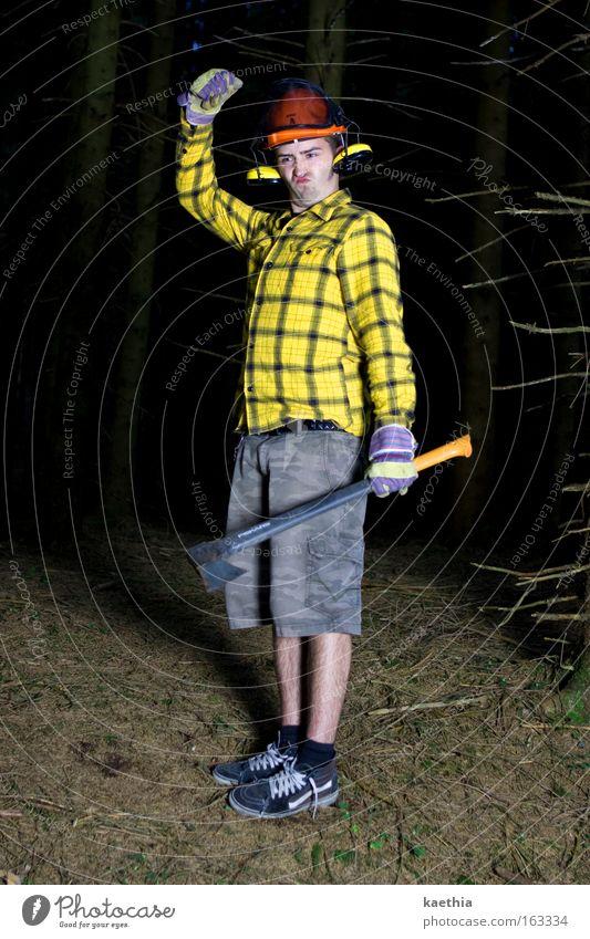 rockefeller Mann Natur Baum gelb Wald dunkel Arbeit & Erwerbstätigkeit lustig Erwachsene verrückt Beruf Werkzeug Freak Helm Unsinn Handschuhe