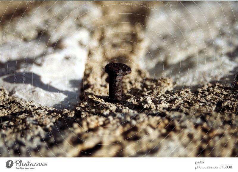 Nagel alt Mauer groß Handwerk Rost Putz Nagel Mörtel