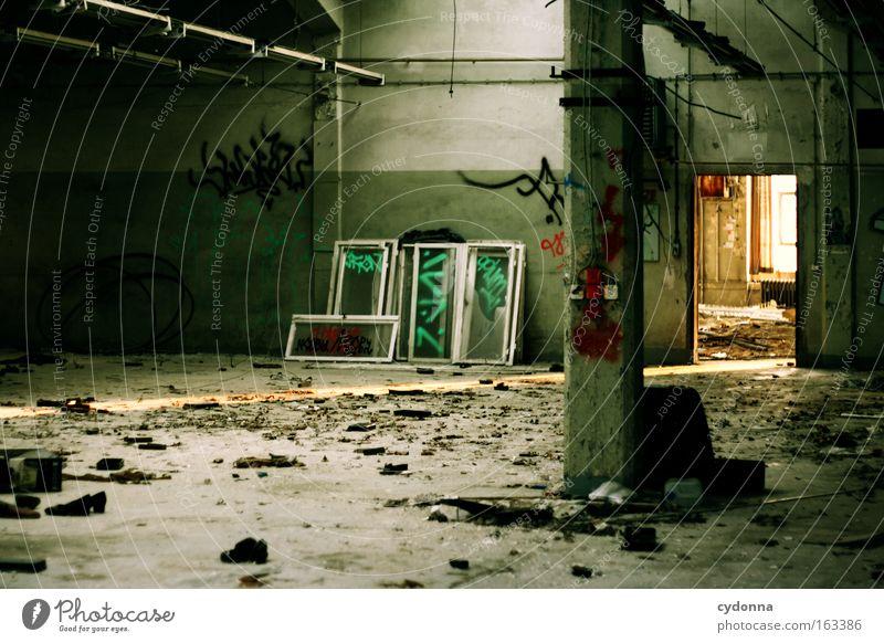 [DD|Apr|09] Fabrikhalle Graffiti Raum Zeit Industrie Romantik Vergänglichkeit Lager verfallen Verfall Vergangenheit Lagerhalle Halle Zerstörung Leerstand Sinn