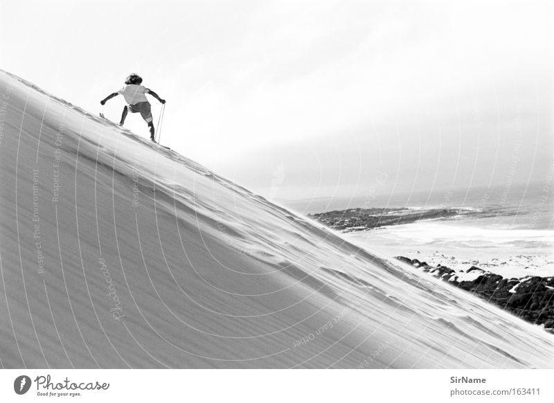 80 [sand surfer] Kind Ferien & Urlaub & Reisen Meer Ferne Wärme Spielen Junge Konzentration Tiefenschärfe tief Düne Stranddüne Surfen Tourist Extremsport