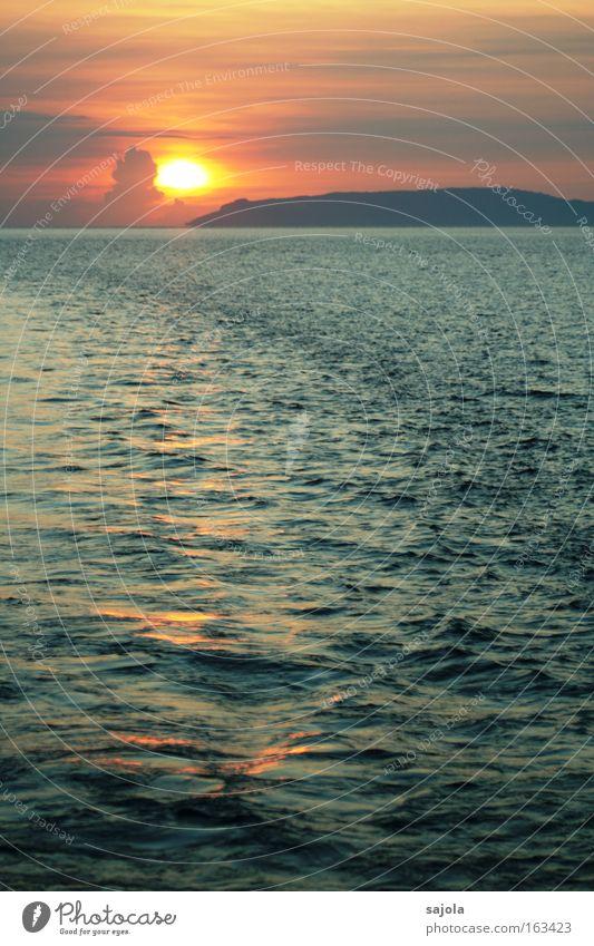 wellenschlag in morgensonne Wasser Himmel Sonne Meer blau rot Ferien & Urlaub & Reisen gelb Ferne Freiheit Landschaft Zufriedenheit Wellen Ausflug ästhetisch