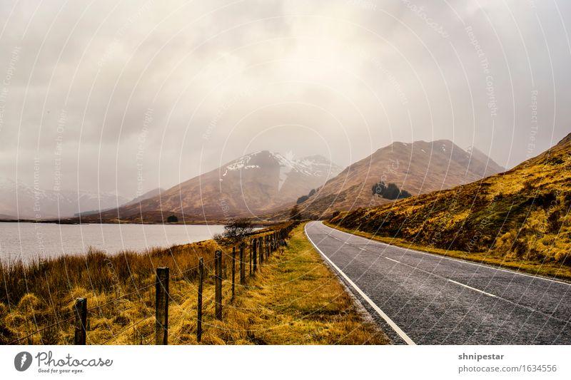 Highland Road Natur Ferien & Urlaub & Reisen Landschaft Erholung Wolken ruhig dunkel Berge u. Gebirge Straße außergewöhnlich See Tourismus Regen Wetter