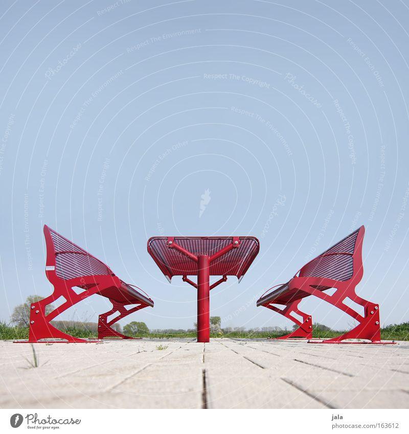 rote pause #3 Himmel rot Park Tisch Platz Pause Bank Autobahn Autofahren Froschperspektive Rastplatz