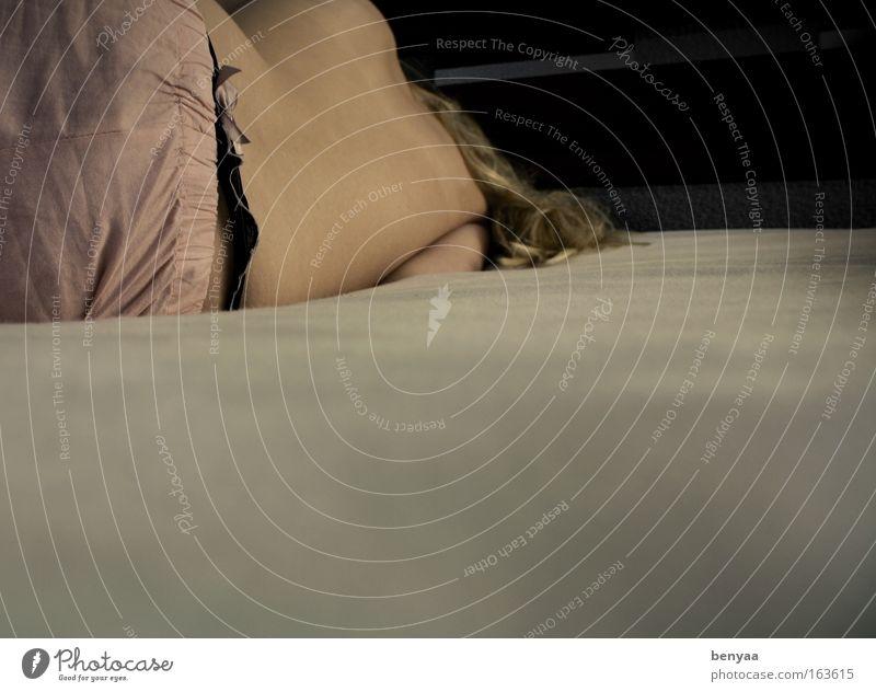 Schön verpackt Mensch feminin Junge Frau Jugendliche Erwachsene Partner Körper Haut Rücken 1 18-30 Jahre Unterwäsche Schleife schlafen träumen ästhetisch dünn
