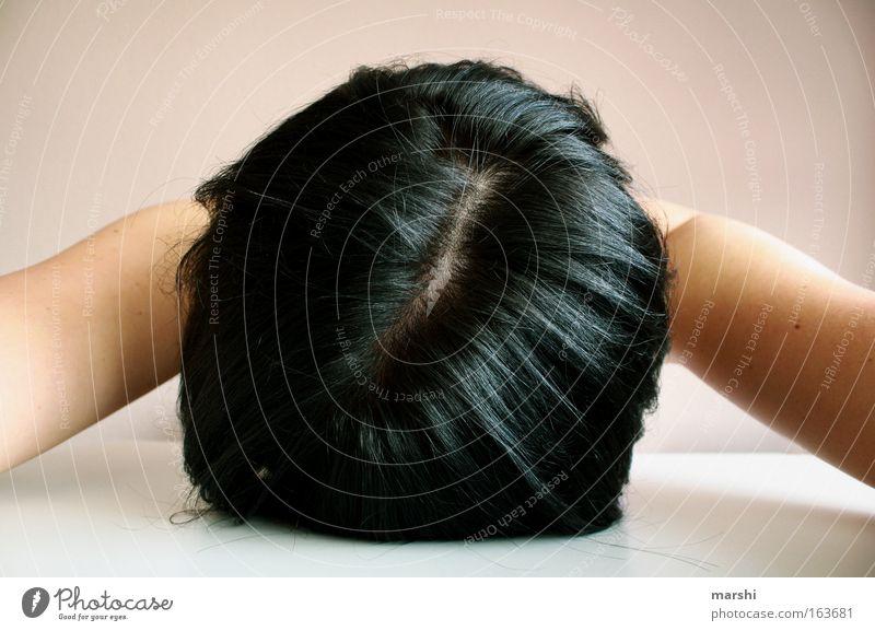Kein Bock mehr ! Mensch Frau Erwachsene Gefühle Kopf Haare & Frisuren Traurigkeit Arbeit & Erwerbstätigkeit sitzen schlafen Student Krankheit Stress Verzweiflung Schwäche schwer