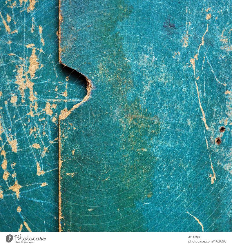 Angefressen Holz alt dreckig grün zerkratzen Kratzer Strukturen & Formen kaputt Oberflächenstruktur türkis verwittert Macht feucht Farbfoto Außenaufnahme