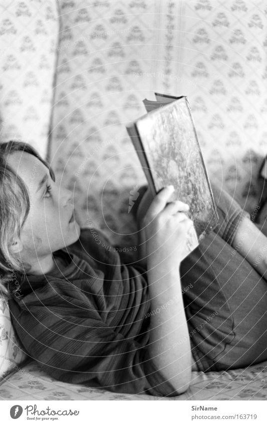 89 [nur noch dort] Freizeit & Hobby lesen Sessel Kindererziehung lernen Junge Kindheit 8-13 Jahre Printmedien Buch Denken entdecken liegen träumen einfach