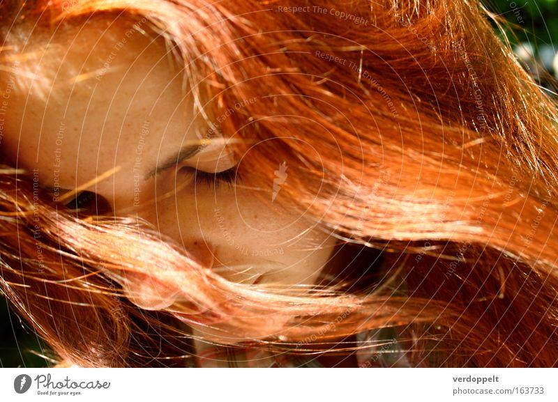 Frau Mensch Jugendliche schön Sonne rot Sommer Gesicht Leben feminin Gefühle Haare & Frisuren Kopf hell Stimmung