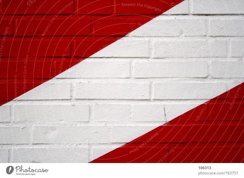 Fotonummer 117071 weiß rot Wand Linie diagonal Backstein Verlauf graphisch Dreieck Ecke Anordnung Farbe Farbstoff bemalt Detailaufnahme Bildausschnitt