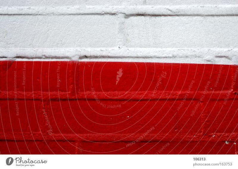 Fotonummer 117162 weiß rot Wand schräg Linie diagonal Backstein farbe Neigung