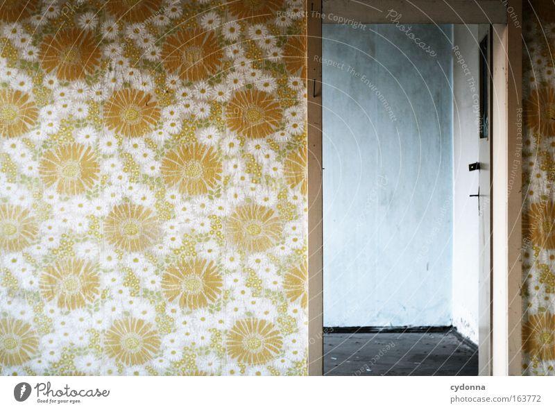[DD|Apr|09] Nebenraum Einsamkeit Haus Wand Architektur Mauer Gebäude Tür Design ästhetisch leer Hoffnung retro authentisch Häusliches Leben einzigartig
