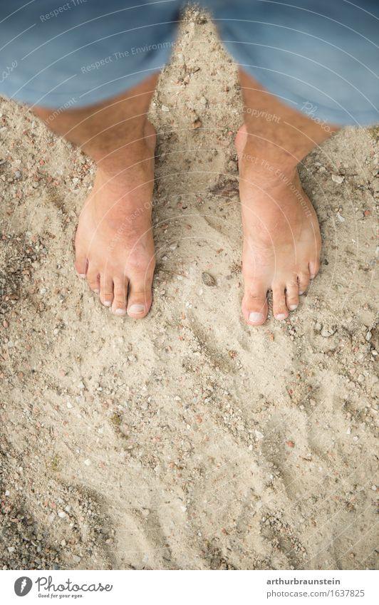 Barfuß im Sand Körperpflege Pediküre Gesundheit sportlich Ferien & Urlaub & Reisen Tourismus Sommer Strand Mensch maskulin Junger Mann Jugendliche Erwachsene