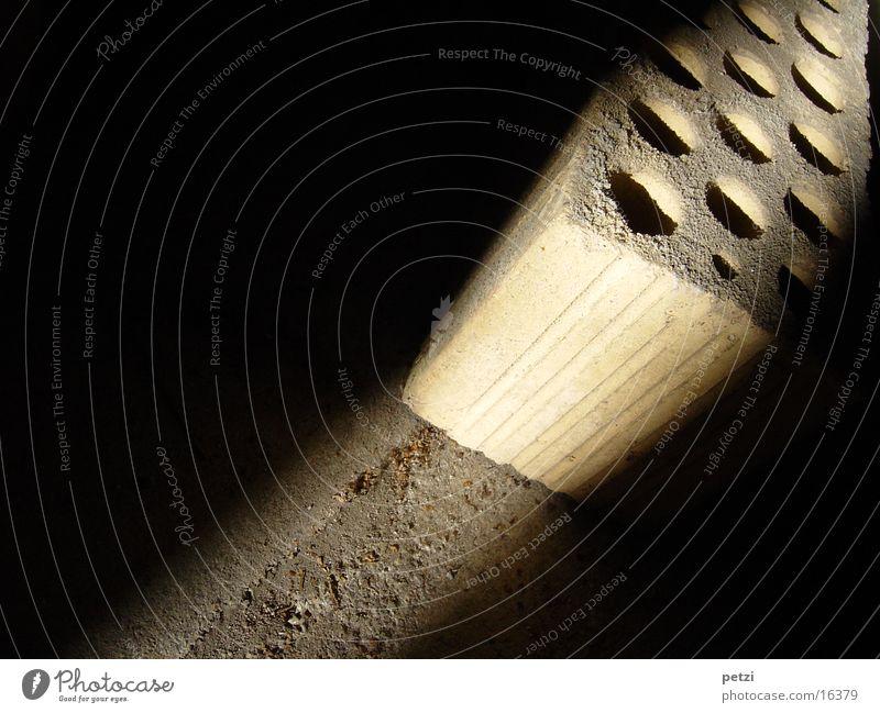 Licht-Einfall 02 verrückt Backstein Handwerk Loch Lichtstrahl Lochziegel