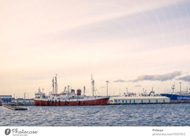 Schiffe an den Docks im Land Island Himmel Natur Ferien & Urlaub & Reisen blau Sommer weiß Meer Landschaft rot Berge u. Gebirge natürlich Küste Wasserfahrzeug
