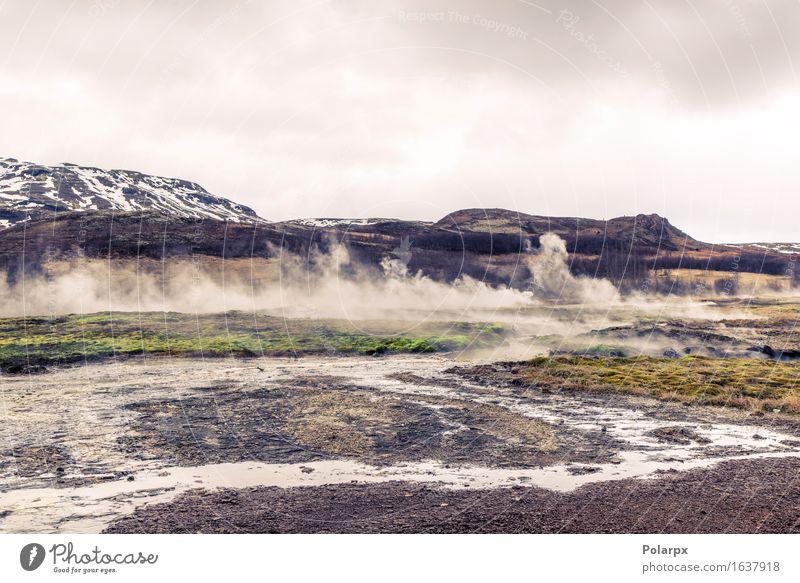 Kochender Fluss in einer Landschaft von Island im wolkigen Wetter Ferien & Urlaub & Reisen Tourismus Insel Berge u. Gebirge Natur Erde Himmel Wolken Nebel Hügel