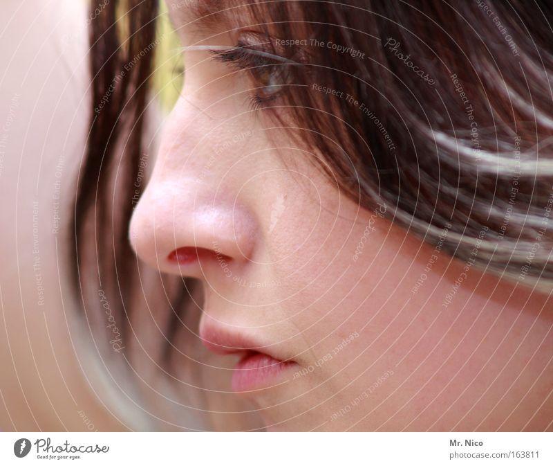 natural born woman Frau Gesicht schön zart Haut Lippen einäugig Porträt Profil stur Vertrauen Nase Wange Perspektive