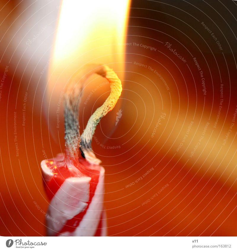 Happy Birthday II weiß rot Freude gelb Glück Stimmung hell Feste & Feiern Geburtstag Fröhlichkeit Dekoration & Verzierung Streifen Kerze heiß Freundlichkeit