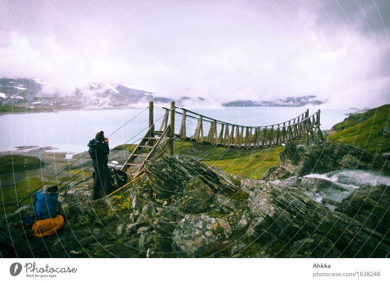 *400* Brückenschläge Ferien & Urlaub & Reisen Ausflug Abenteuer Ferne wandern feminin 1 Mensch Natur Wolken schlechtes Wetter Nebel Regen Schnee Felsen